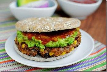 https://iowagirleats.com/2012/06/18/chipotle-black-bean-burgers/